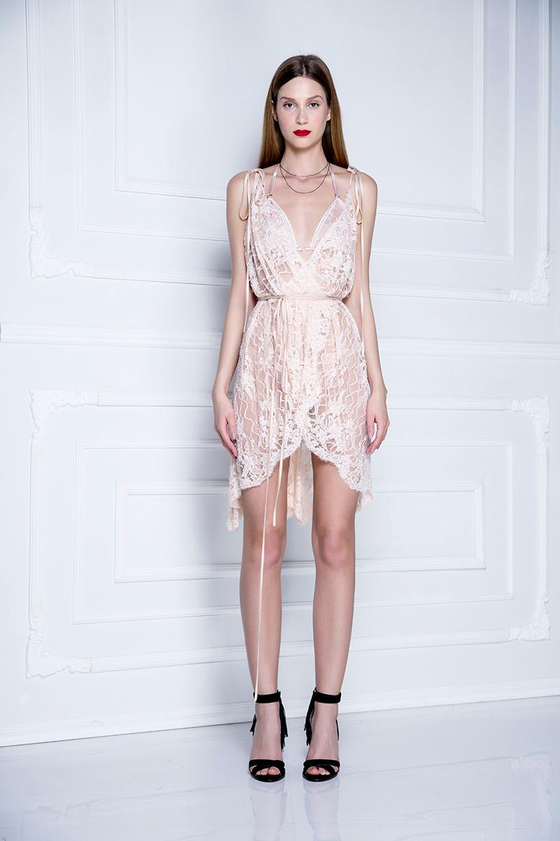 Ogrtač-haljina od pamučne čipke sa perlama