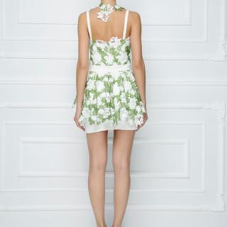 Mini haljina sa peplumom od čipke