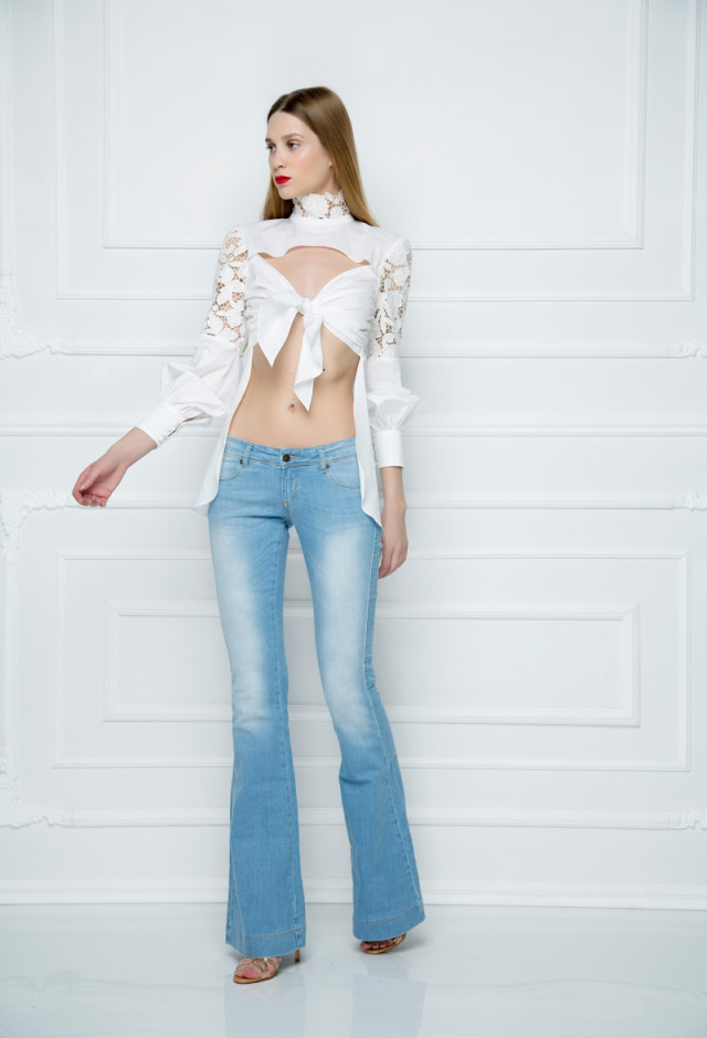 Zvonaste farmerke od izbeljenog džinsa