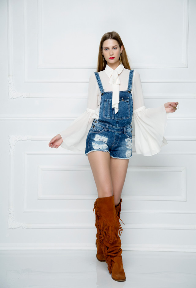 Distressed overalls shorts