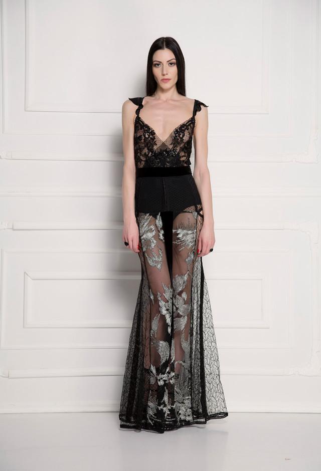 Haljina od srebrno-crne čipke sa perlama